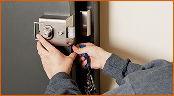 Village Locksmith Store Milwaukee, WI 414-326-4805
